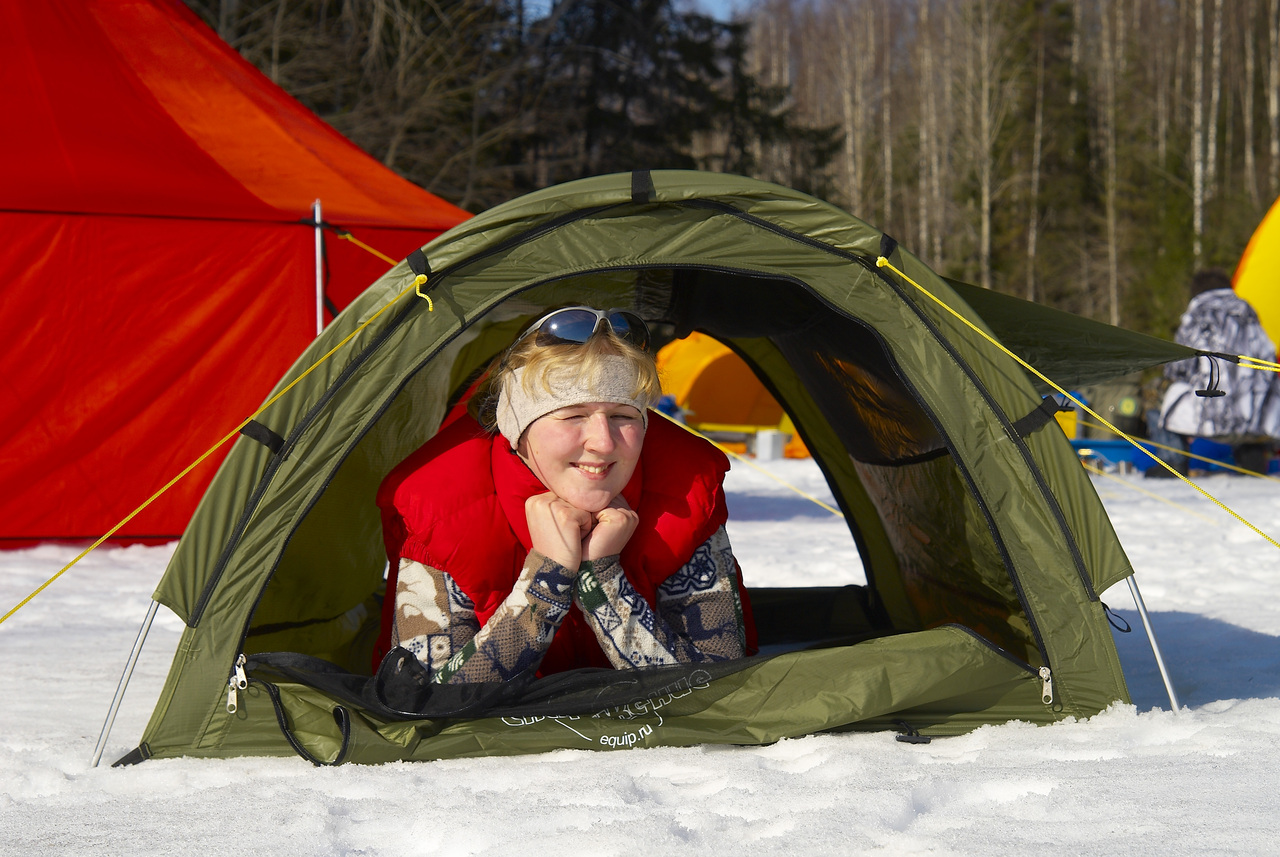 Проклейка швов палатки